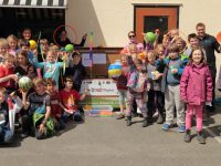 Kids, parents and staff at Salt Spring Elementary celebrate their new Live 5-3-1-0 Playbox.